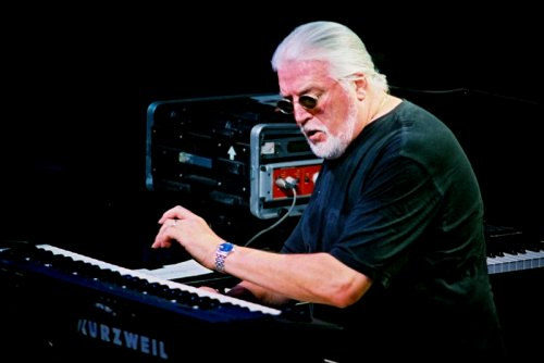 Jon Lord on stage, September 2002. Photo: Jim Corrigan.