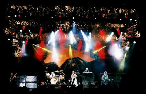 Deep Purple on stage. Photo Nick Soveiko © 2002.