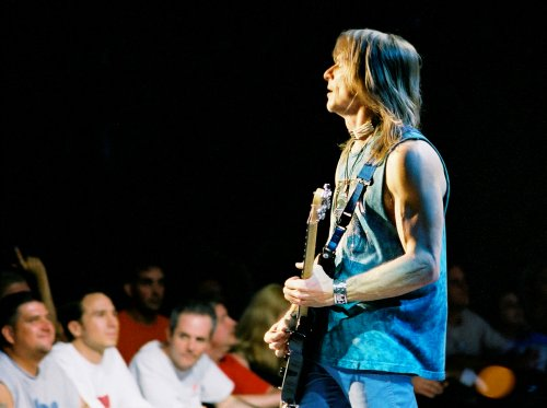 Steve Morse. Photo © 2002 Nick Soveiko.