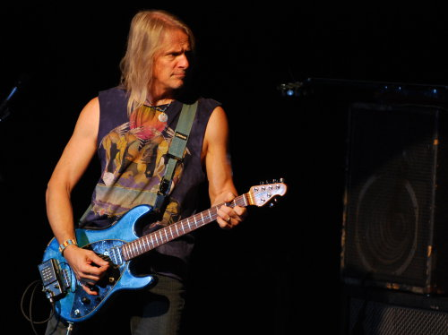 Steve Morse, Cosmo Music Hall, Toronto, Oct 18, 2009; Photo: Nick Soveiko CC-BY-NC-SA