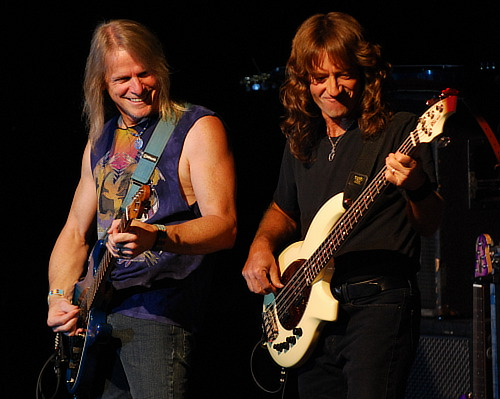 Steve Morse and Dave LaRue, © 2009 Nick Soveiko CC-BY-NC-SA