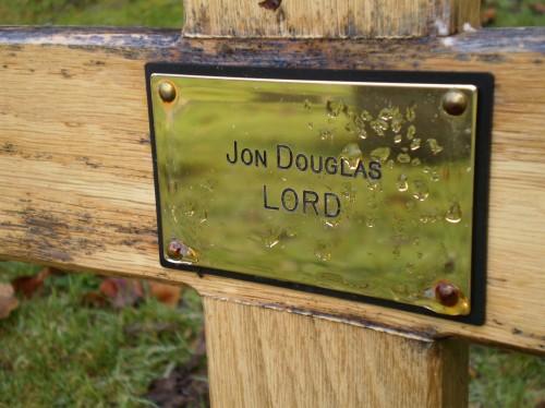 Jon Lord's grave; photo Gareth thomas, http://www.findagrave.com/cgi-bin/fg.cgi?page=pv&GRid=93706897&PIpi=72129936