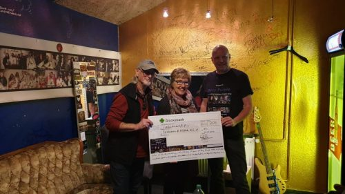 Roger Glover + ??? + Ralf Schmidt with proceeds of the exhibition